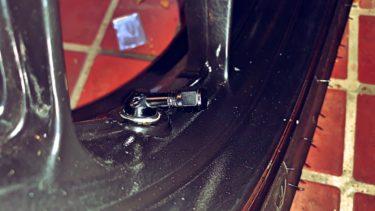 タイヤ交換するならついでにこれも!GALE SPEED 74°エアバルブに変えるべきたった一つ理由